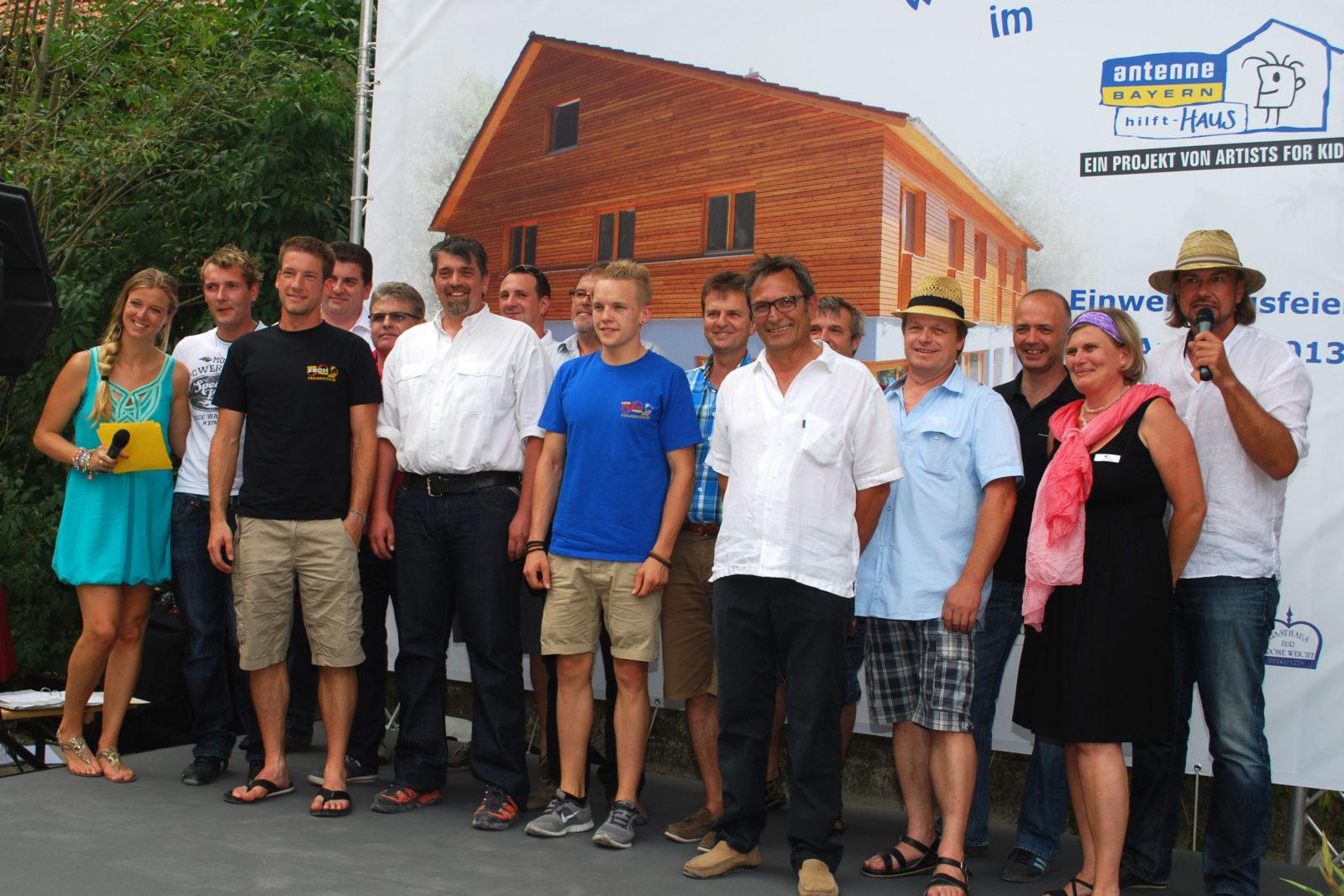 Einweihung Antenne Bayern hilft - Haus