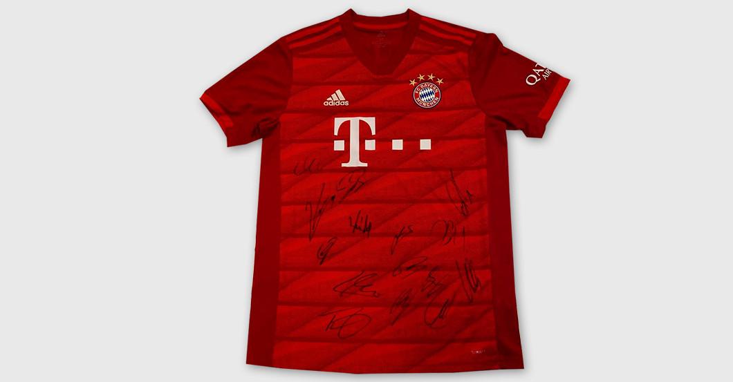 FC Bayern Trikot mit Signaturen